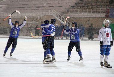 И снова Чемпионы. Теперь по хоккею с мячом