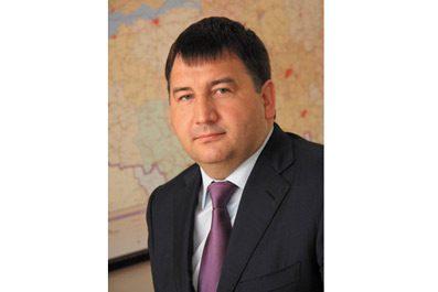 Ленар Сафин поздравил татарстанцев с Днем железнодорожника