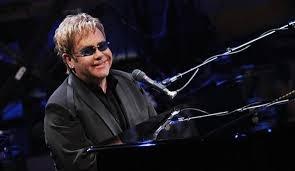 В Казани концерт Элтона Джона будет стоить организаторам миллион долларов